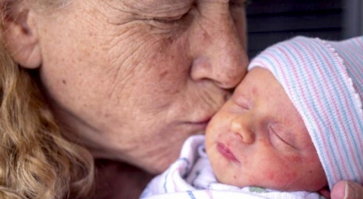 Woman gives birth at the age of 57 and becomes one of the oldest mothers in US history
