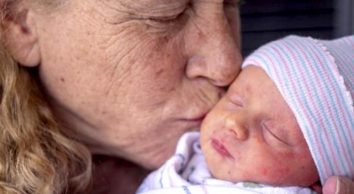 Une femme accouche à 57 ans et devient l'une des mères les plus âgées de l'histoire des États-Unis.