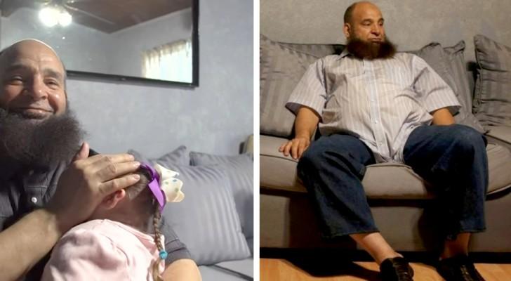 Un papa célibataire adopte une petite fille malade en phase terminale dont personne ne voulait : il l'a élevée avec beaucoup d'affection