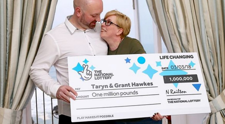 Couple win £ 1,000,000 on the lottery and donate food packages to less fortunate people with part of the money