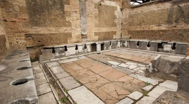 Demoni, topi e pozzi neri: la situazione dei bagni e del sistema fognario nell'antica Roma