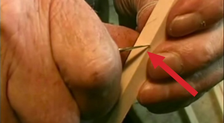With 10 cuts on a piece of wood, this craftsman creates something amazing