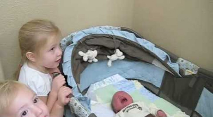 A newborn baby arrives home: what his older sister does is just ADORABLE
