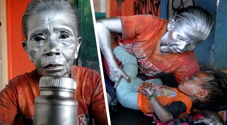 Esta avó é obrigada a trabalhar todos os dias como uma estátua viva na rua, para alimentar o seu neto de 2 anos