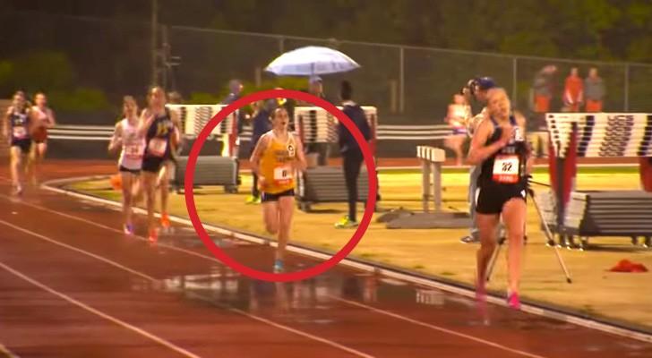 Essa garota é muito rápida, mas veja o que acontece quando cruza a linha de chegada