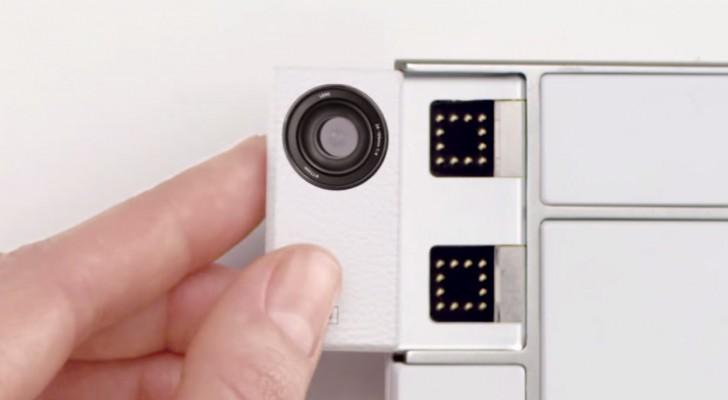 Hier seht ihr ein Produkt, dass die Welt der Handys revolutionieren wird. Wer hat's erfunden?