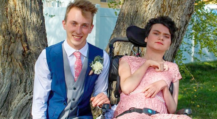 A teenager brings a disabled girl to the prom: no one wanted to accompany her to the party