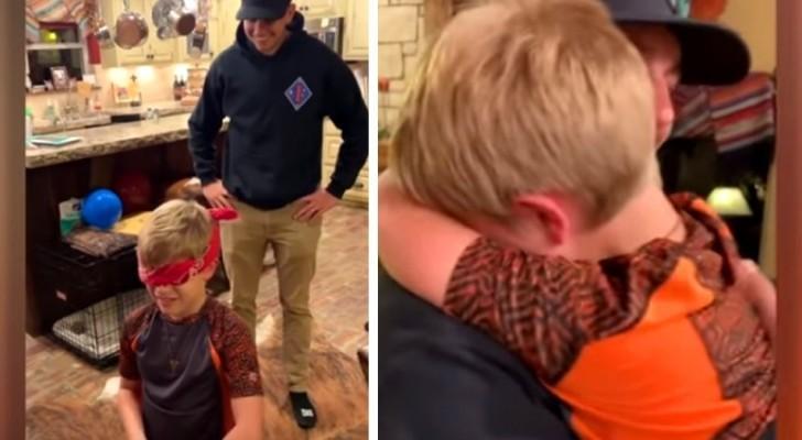 Un soldado regresa a casa después de años y le hace una sorpresa a su hermano menor: el conmovedor video de su encuentro