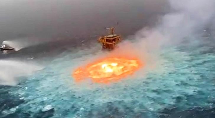 Mexiko: Unterwasser-Pipeline explodiert und erzeugt riesiges Feuerauge im Ozean
