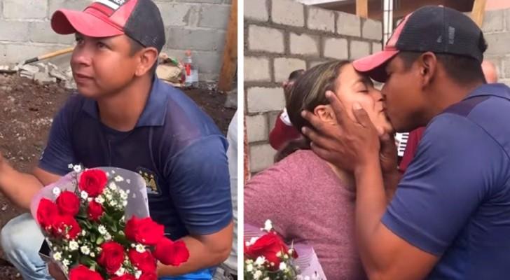 Fa la proposta di matrimonio alla sua amata nel cantiere dove lavora: non ha soldi, ma i suoi colleghi lo sostengono