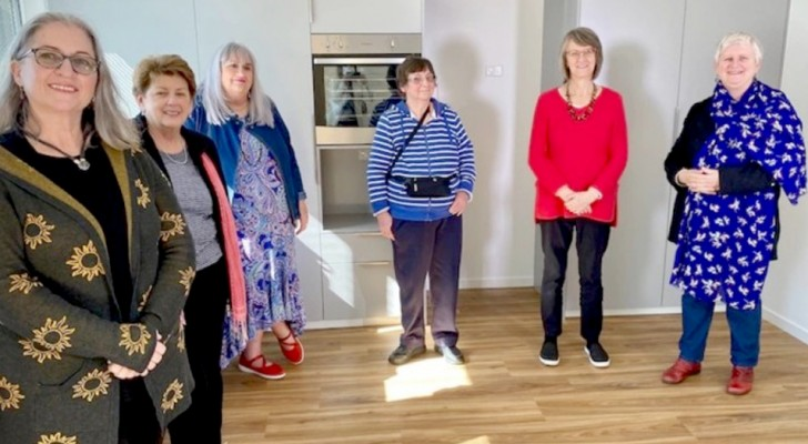 Sharing with friends: five women moved in together to say goodbye to loneliness