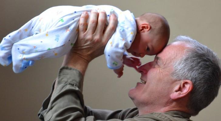 Deze opa eist betaald te worden door zijn dochter om voor zijn kleindochter te zorgen