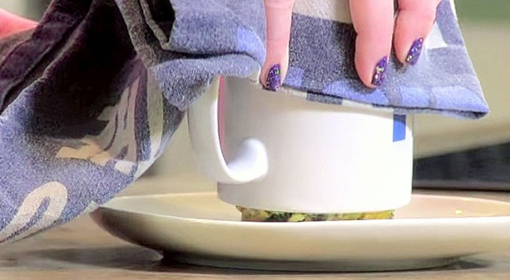 She mixes a few simple ingredients in a cup: when she tips it over ... WOW!