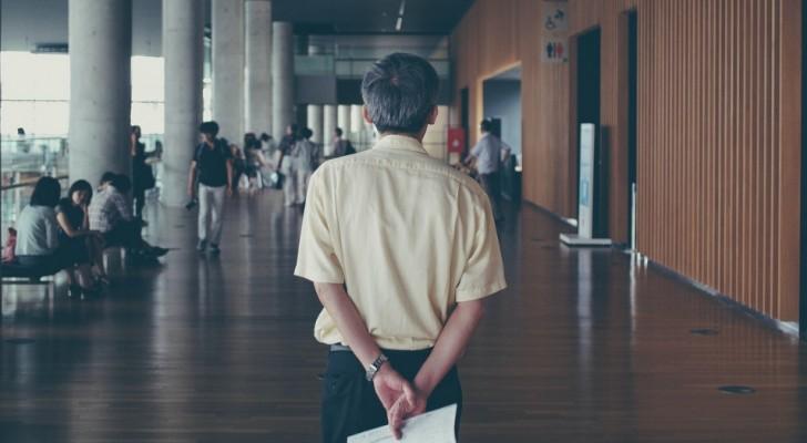 Hij is 769 dagen in 3 jaar afwezig van school: docent verdacht wegens fraude
