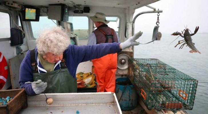 Esta avó de 101 anos continua a trabalhar a bordo de um barco de pesca e não tem intenção de parar
