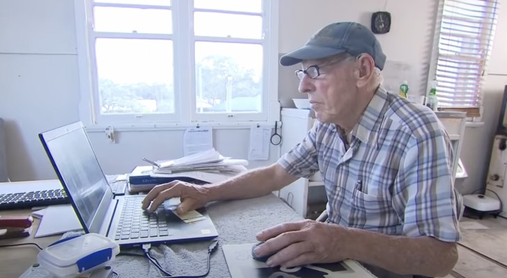 Anziano signore trasferisce per errore 71.000$ sul conto di uno sconosciuto che si rifiuta di restituirglieli