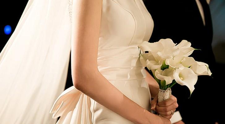 La belle-mère achète la même tenue que la mariée pour le mariage : elle ne veut pas la changer et une dispute éclate