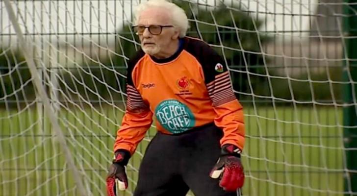 Op 88-jarige leeftijd blijft hij voetballen als keeper van het team: Ik voel me nog steeds vol energie!