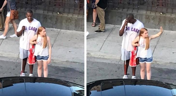 Sie bleibt stehen, um einem blinden Mann zu helfen, ein Taxi zu rufen: Sie weiß nicht, dass ihre freundliche Geste aufgenommen wurde