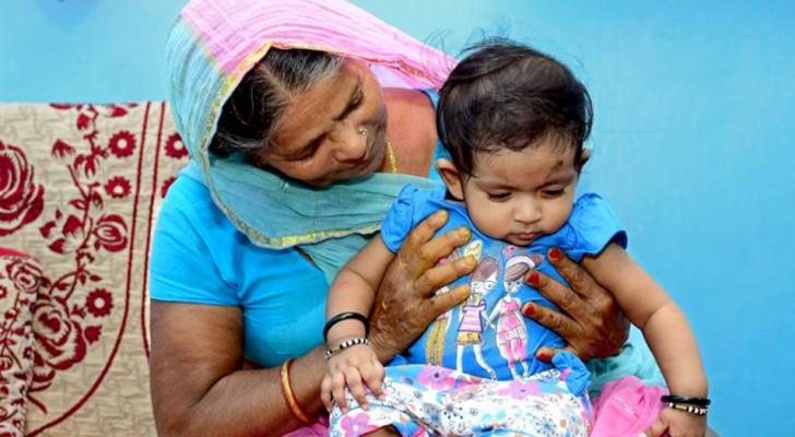 Donna indiana a 70 anni dà alla luce un bimbo e diventa una delle mamme più anziane al mondo