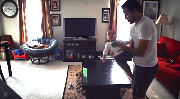 They put a camera in the living room: here's what this daddy and his baby son are up to, when Mom is away !