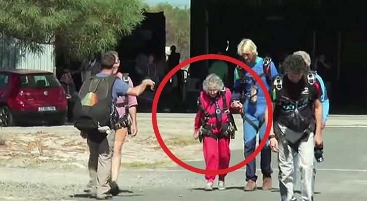Una donna compie 100 anni: guardatela mentre esaudisce il desiderio di una vita!