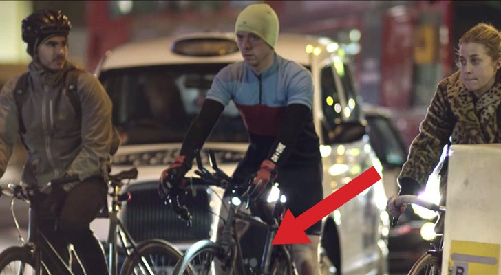 They seem normal cyclists, but at night they reveal a secret ... BRILLIANT !