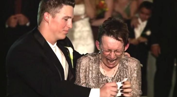 Su madre no puede caminar, asi el novio le regala un momento INOLVIDABLE