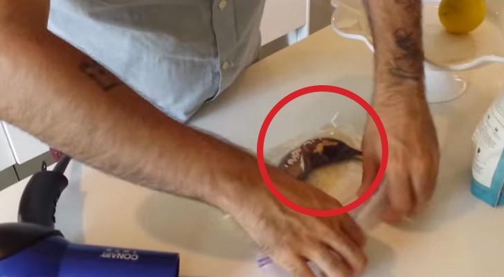 Han lägger en rutten banan i riset, och det som händer är förvånansvärt!