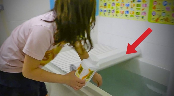 Here's how they design bathrooms in Japan to save TIME and MONEY ... Brilliant!
