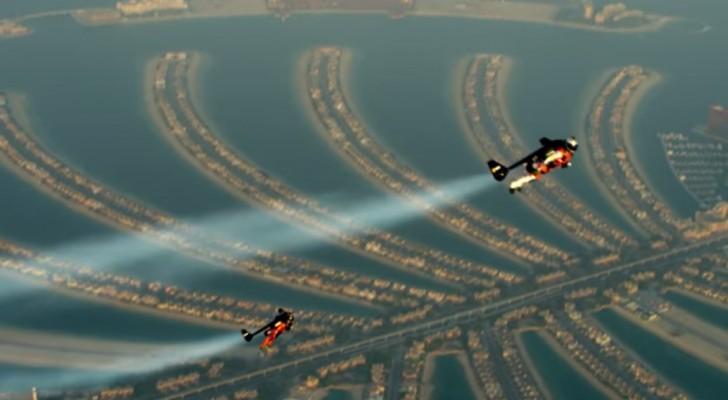 2 Männer im Himmel über Dubai: Ihr Flug wird euren Atem stocken lassen