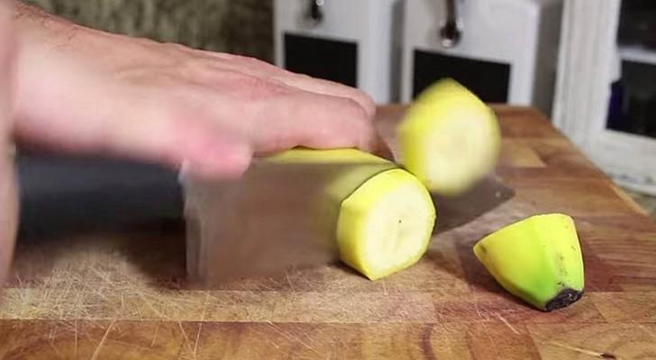 Il coupe en rondelle une banane et résout un problème typique de l'été!