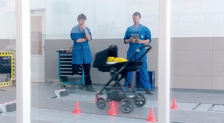 Parece ser um carrinho de criança normal, mas ao ver o vídeo entenderá o motivo dele ser especial