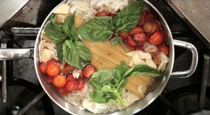 Coloca a massa na panela com todos os ingredientes. 10 minutos depois? Uauu!