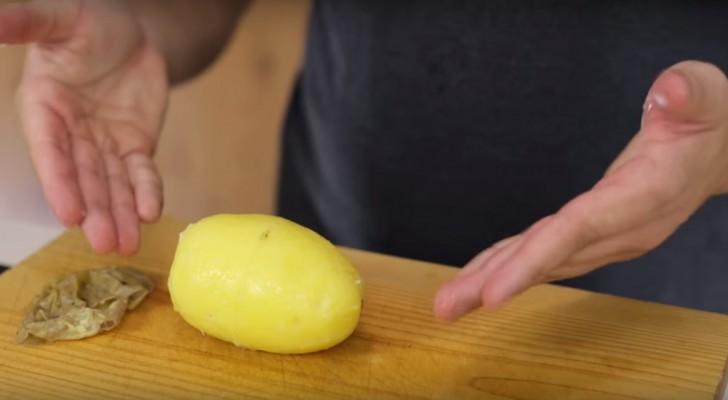 Avec cette petite astuce AVANT de bouillir les patates vous économiserez beaucoup de temps!