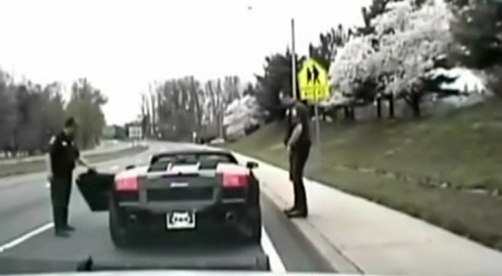 The police stops a Lamborghini... when you'll see its driver you won't believe it!