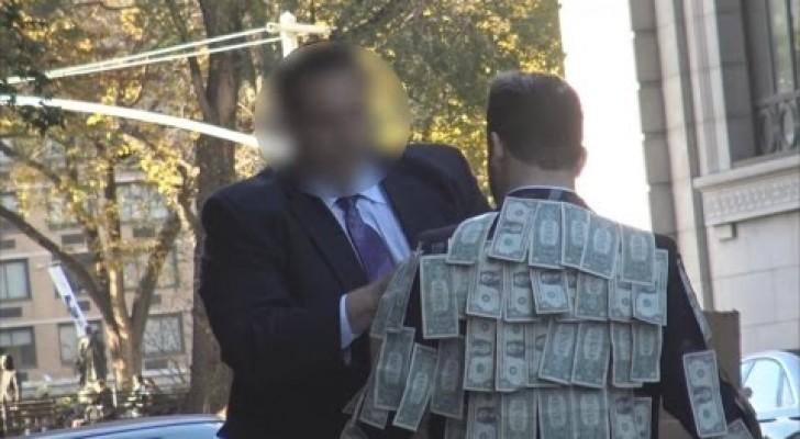 Sai vestindo um terno cheio de notas de dinheiro: veja como as pessoas reagem