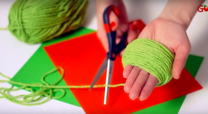 Sie rollt die Wolle um ihre Hand... Das Ergebnis ist ein echtes Meisterwerk