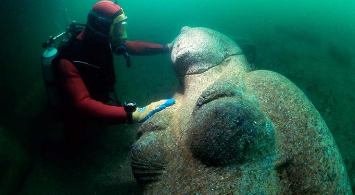 Heracleion: archäologen entdecken eine komplette Stadt unter den Wassern des Mittelmeers