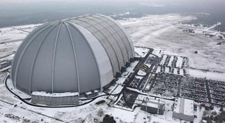 Deze Oude Hangar In Duitsland Herbergt Een Onvoorstelbaar Paradijs
