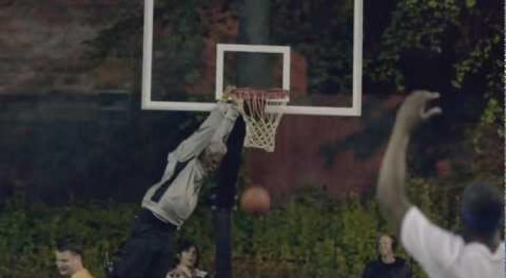 Un viejito maestro de basket