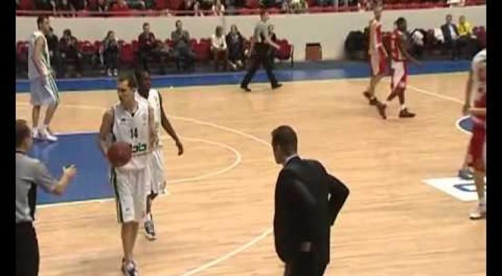 Il sesto giocatore nel basket