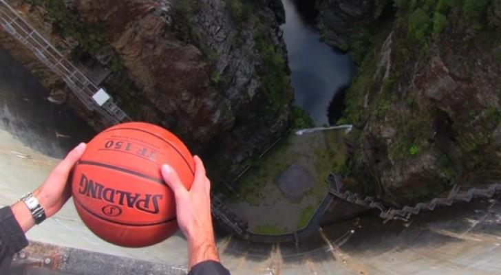 Deze jongens laten een bal vallen van een dam... wat er gebeurt lijkt bijna toverij!