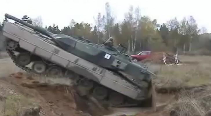 Deze tank valt in een greppel... De oplossing hiervoor is... KRACHTIG!