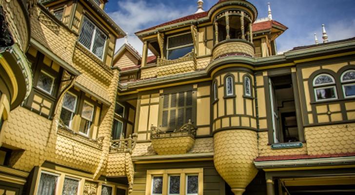 Questa casa del 1800 è piena di scale cieche e porte finte: ecco il segreto che custodisce