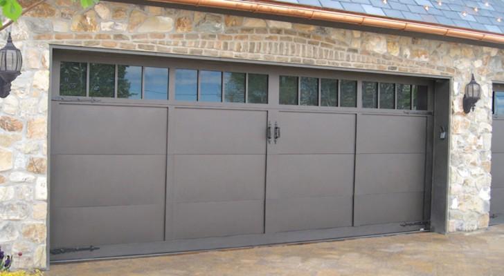 Quelques idées étonnantes pour transformer la porte de garage en un véritable chef-d'œuvre