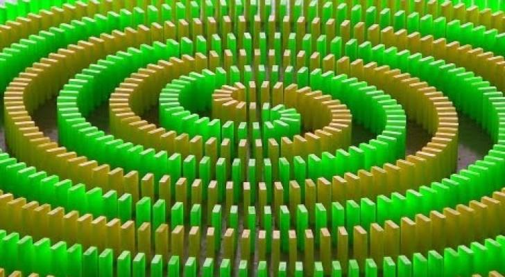 25,000 Domino