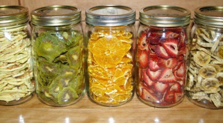 Come preparare in casa della deliziosa frutta secca, genuina ed economica