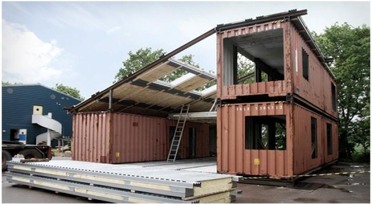 Unisce 3 container navali e realizza una villa con interni mozzafiato