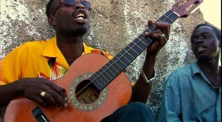 Una chitarra, una corda, un MITO!